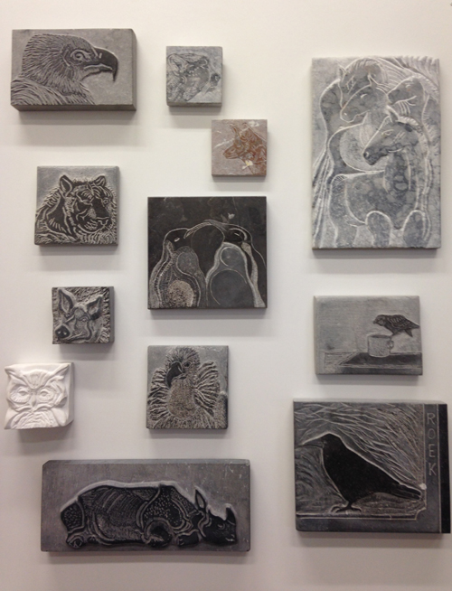 Tableau's en drawings in stone for exhibition